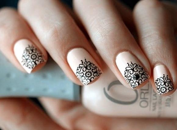Узоры коротких на ногтях