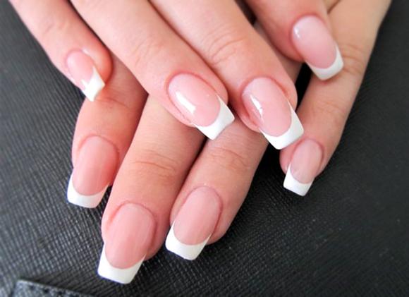 Ногти квадратные-белый френч