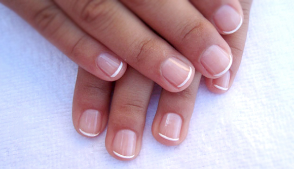 френч на очень короткие ногти