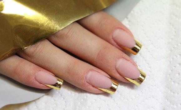 Френч классический на ногтях