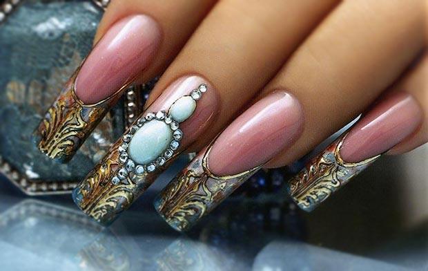 литье с жидкими камнями на ногтях