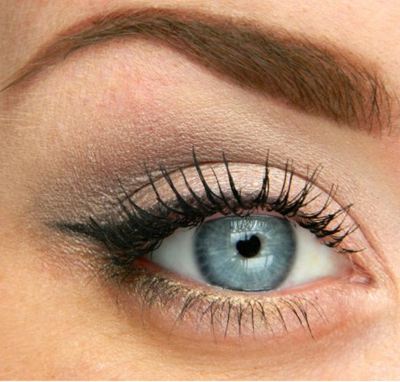 Эффектный макияж для глаз с инструкцией