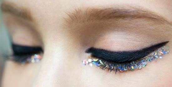 макияж глаз с глиттером стрелки на нижнем веке