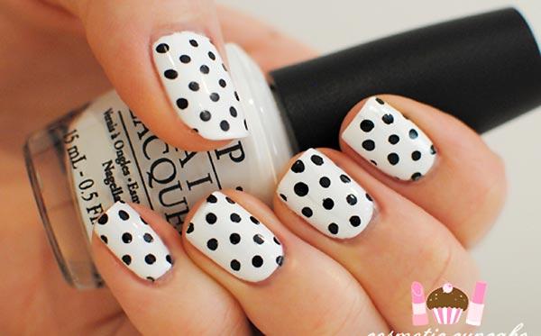 Бело чёрный дизайн ногтей