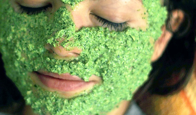 маски для лица из зелени и корня петрушки отбеливание