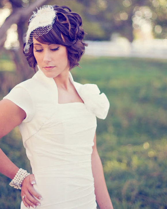 На короткие волосы на свадьбу 20 фото