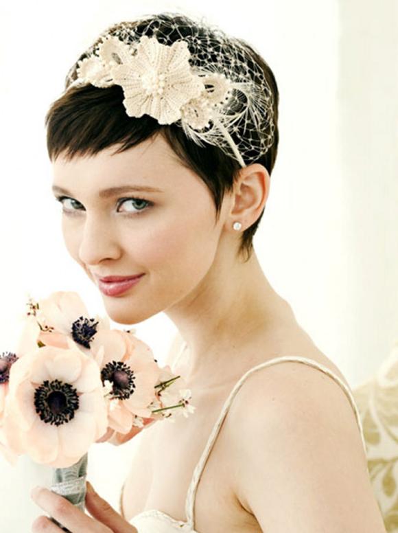 Прически на свадьбу на короткий волос.