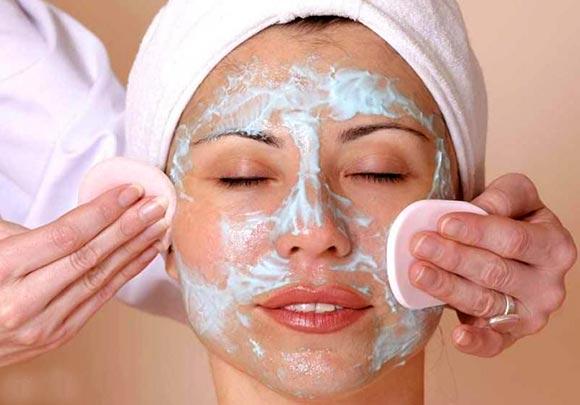 убрать шелушения с кожи лица