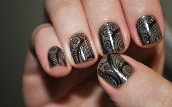 узоры на ногтях с блестками