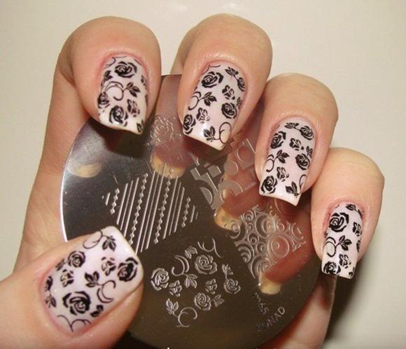 стемпинг на ногтях розочки фото