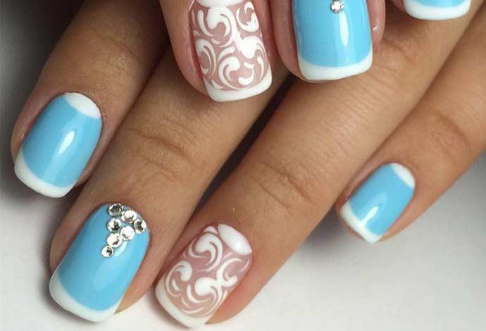 Фото ногтей с цветами по краю 56