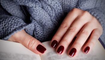 Маникюр в офисе. Как и к чему подобрать цвет лака для ногтей?