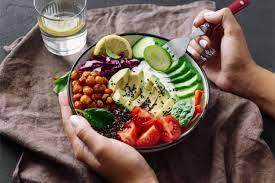 Как женщине сохранить фигуру и здоровье зимой за счет правильного питания?
